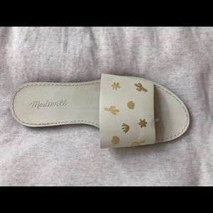 White/gold leather size 7.5 gold succulent